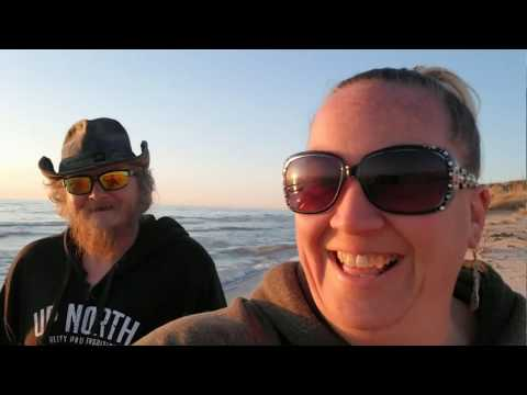 THE BUS STORY Episode 45 - The butterflies, the bus, and the beach!