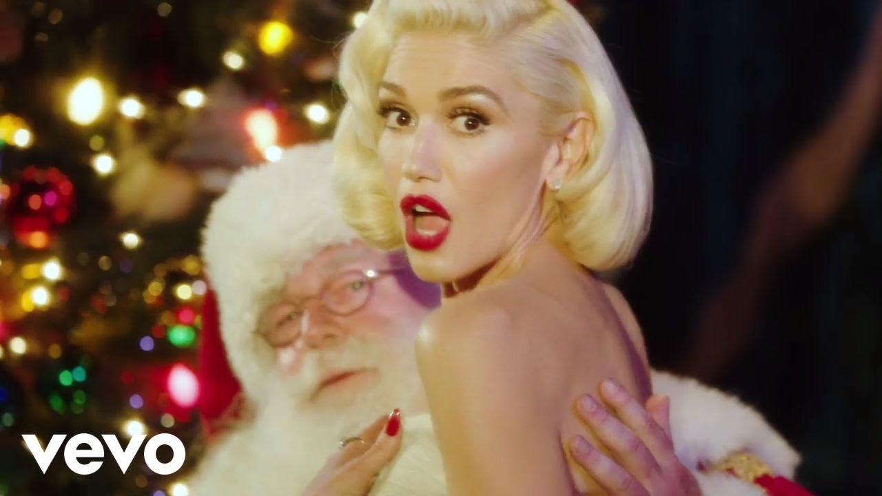 Gwen Stefani - You Make It Feel Like Christmas (feat. Blake Shelton)