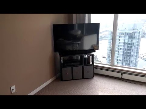 How to place a TV in a corner and save space