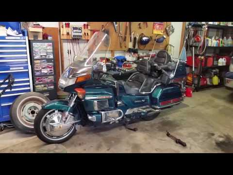 How to change spark plugs on a GL1500