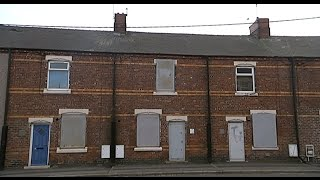 The ghost town where houses are on sale for £1 | Channel 4 News