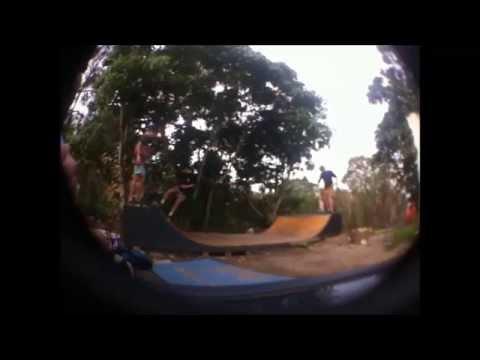 skating mini halfpipe