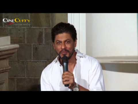 Shah Rukh Khan celebrates his birthday with fans
