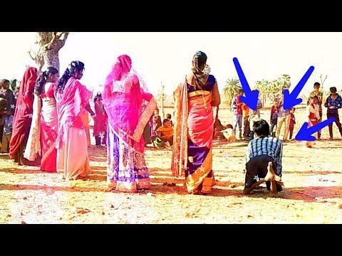 Xxx Mp4 आओ जानी पिलादो पानी तुम्हारा जवाब होगा Physical Handicap Boy Dance In Adiwasi Timli 3gp Sex