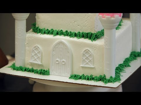 Adding Grass to a Princess Castle Cake   Birthday Cakes