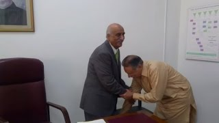 Pervez Rasheed Touches Feet Of Khursheed Shah