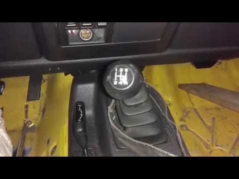 Jeep Wrangler TJ gear shifter knob removal without damage.