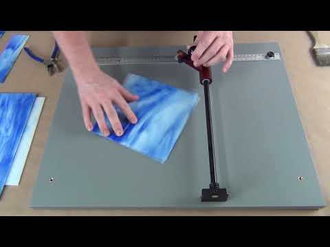 Portable Glass Cutter - Cutting 1