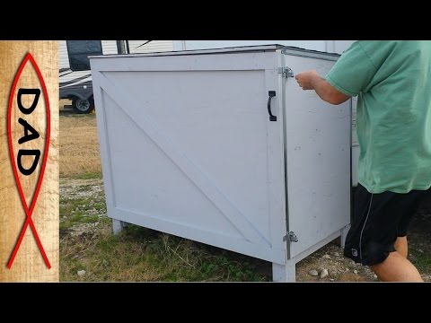 Pallet storage shed or deck box - a simple storage idea for the backyard or RV site
