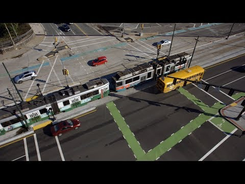 How Bicycle Stoplights Help Prevent Collisions (social video)