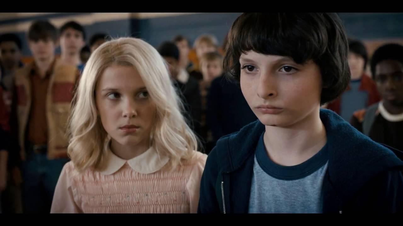 Stranger Things - Eleven make Troy piss himself (HD 1080p)