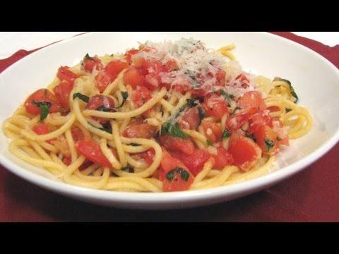 Spaghetti with Fresh Tomato Sauce -- Lynn's Recipes