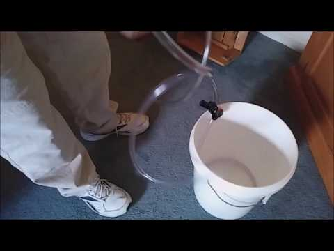 DIY Cheap & Quick Easy Siphon For Bare Bottom Aquarium Fish Tank & Save $ On Water Not Using Python.