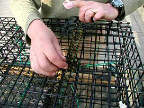 How to Make a Lobster Trap: 20 Fitting a Bungee Door Hook