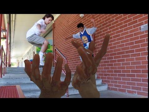 Getting BLOODY! | VLOG DAYZ