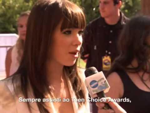 Carly Rae Jepsen no tapete vermelho do Teen Choice 2012!
