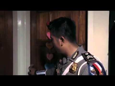 Video Mengharukan Polisi Tilang Istri