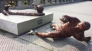 Lionel Messi Statue Gets Vandalized