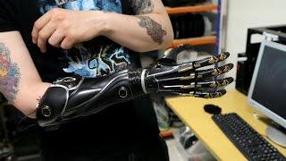 3D printing yourself a hand: Deus Ex