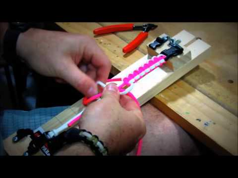How to easily make a paracord cobra bracelet with the mini jig