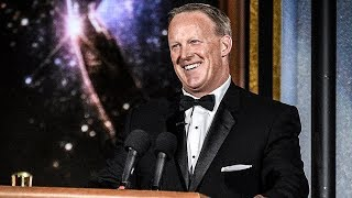 Sean Spicer Appears At Emmy's And Everyone Forgets What A Lying Jackass He Is