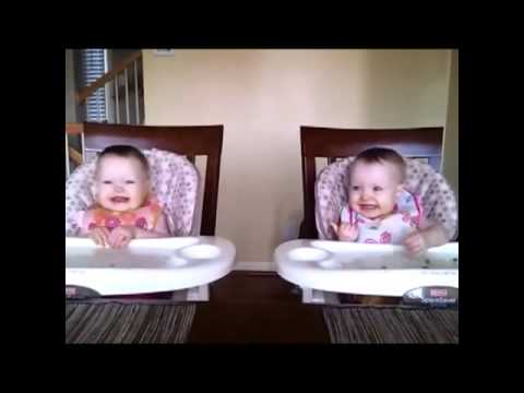 Twins Dancing To Daddy's  - Bes Of Vine