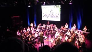 Met het Divertimento uit 2011 schreef de Zwitserse componist Oliver Waespi (1971) een van de meest gevarieerde concertstukken voor harmonieorkesten, met sfeervolle soli van onder meer hobo en slagwerk. Het is een meeslepend stuk met verrassende wendingen, dat klassiek begint, halverwege een jazzy intermezzo heeft en dan vurig eindigt, waarbij het uiterste gevergd wordt van de orkestleden.