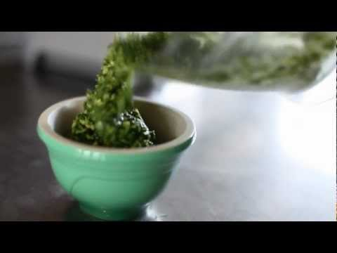 Le Creuset Kitchen Sessions - Fresh Basil Pesto with Dustin Busby