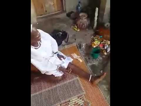 123 Years Old Woman Pray In IFA Incantation