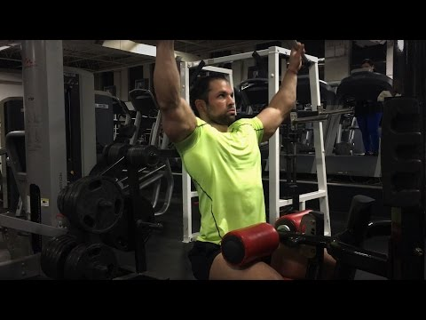 How To Lat Pulldown For A Wide Back | Quick Form Video | Natural Bodybuilder Gary Amlinger