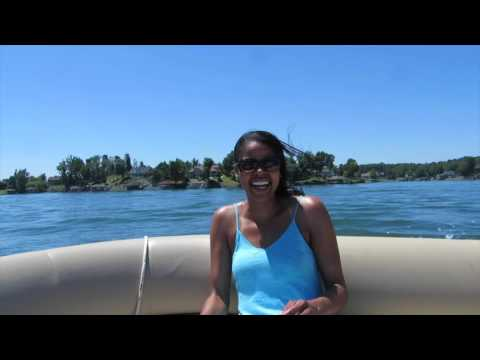 Renting a boat at Smith Mountain Lake