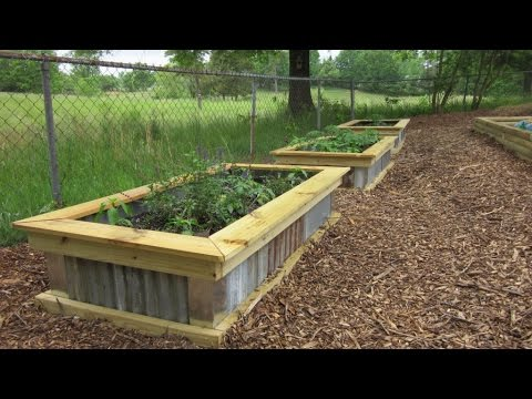 DIY Homemade Raised Garden Bed