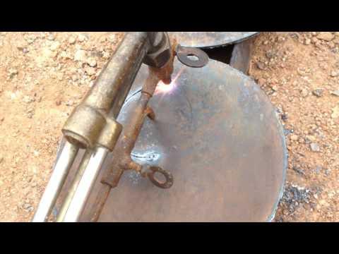 Cutting Steel Sheet in Circle Shape by Oxy-Fuel Gas Cutting កាត់ដែកសន្លឹកប្រើខ្យល់អុកស៊ីសែននិងហ្គាស