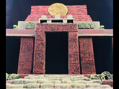 Diorama: Aztec Temple Building