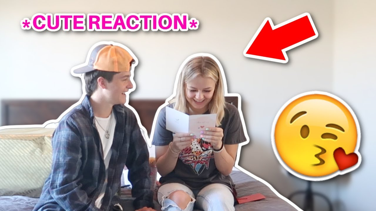 I gave my GIRLFRIEND HER GIFT! REACTION and GIFT exchange!