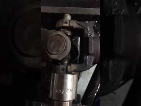 Stuck U-Joint 1995 GMC Sierra / Chevy Silverado Universal Joint Removal  with Injected Plastic