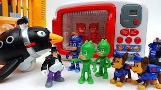 Paw Patrol, PJ Masks ,The Penguin Man and Magic Microwave!!