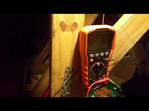 Testing outlet ground with multimeter