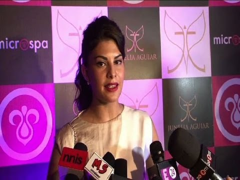 Jacqueline's tips for smooth and silky hair - IANS India Videos