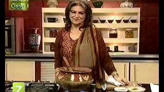 Handi Murgh Masala, Cinnamon Roll And Grape Fruit Blush by Sara Riaz   Zaiqa