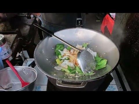 Thai Stir Fry Chicken - Pork with Noodles - Thai Food - Thailand Street Food