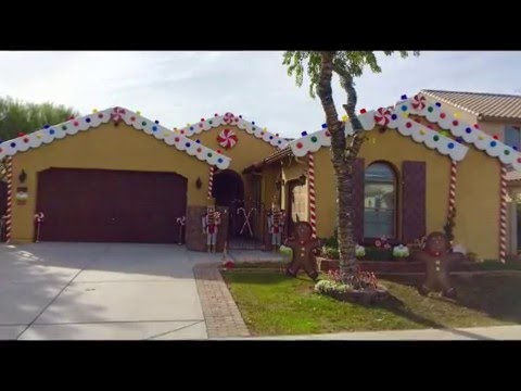 DIY Christmas decorating ideas Gingerbread house  candyland theme