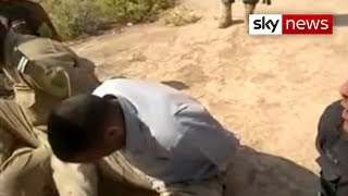 Iraq: ISIS Fighter Forces Iraqi Soldiers To Chant Slogan