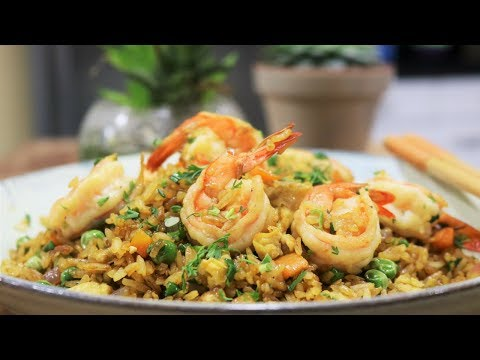 Easy Chinese Shrimp Fried Rice [虾仁炒饭]