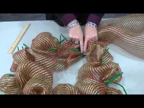Deco Mesh Wreath Tutorial by STLCC Continuing Education