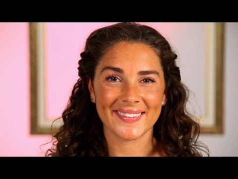 How to Do a Quick Hairstyle   Curly Hairstyles