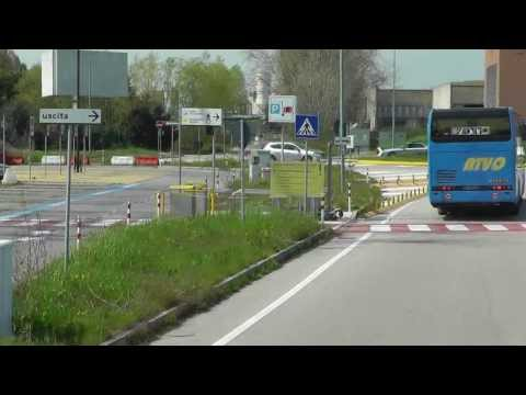 Venedig: Expressbusfahrt vom Flughafen Marco Polo nach Venedig. Drive from Airport to Venice
