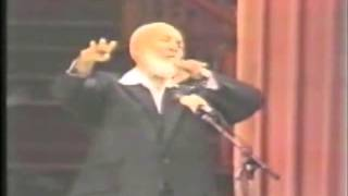 Ahmed Deedat Answer - Contradiction of 8 days creation in the Quran?