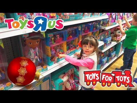 Toys R Us CHRISTMAS TOY HUNT | Toys For Tots | Kinder Playtime