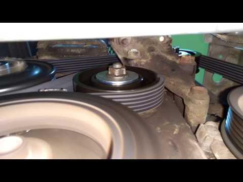 Toyota Yaris new (3) water pump and belt - nowa pompa wody i osprzęt